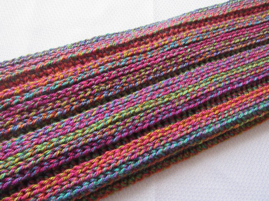 Crochet Infinity Scarf that Looks Knitted