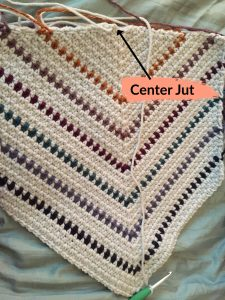 Center Jut in the Moss Stitch Triangle Pattern