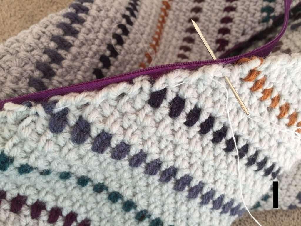 How to Add a Zipper to a Crochet Pillow