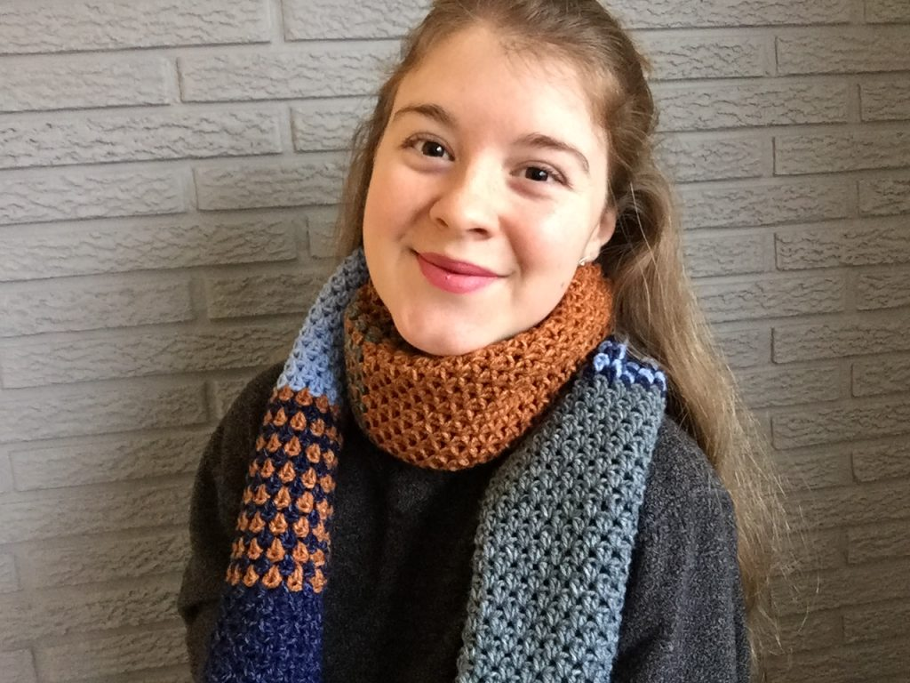 Easy Crochet Scarf with Colorwork