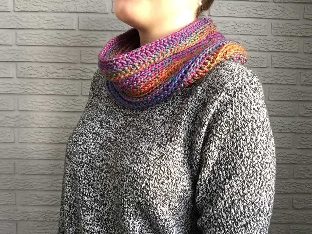 Crochet Cowl that Looks Knitted