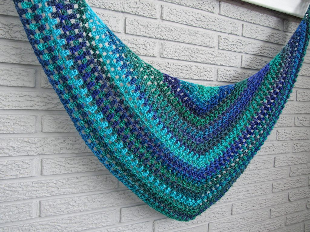 Crochet Triangle Scarf Free Pattern and Tutorial