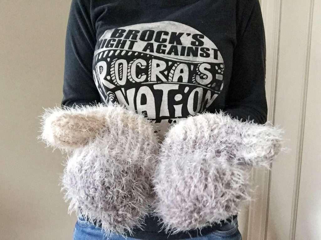 Fuzzy Textured Crochet Mittens Free Pattern