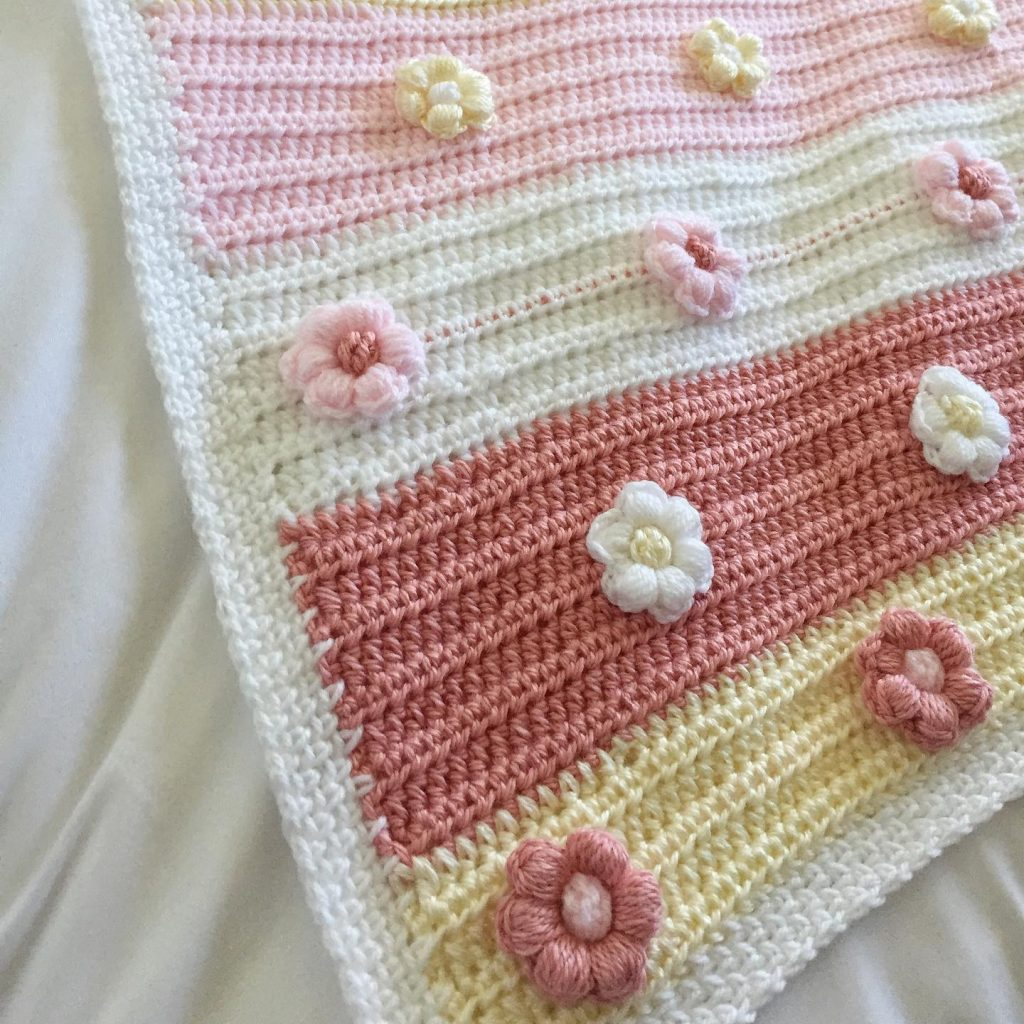 Cute and Modern Crochet Baby Girl Blanket with Flowers Pattern